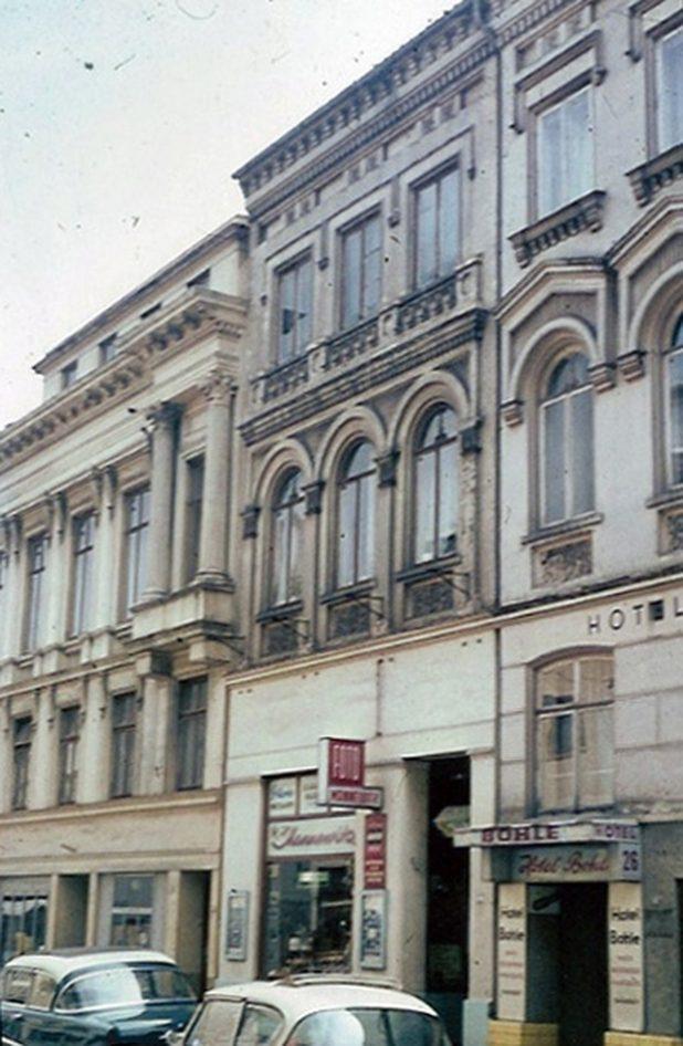 In den 50er Jahren hatte das Fotogeschaeft Mannewitz den Laden gemietet. Quelle: I. Dolman-Berberich